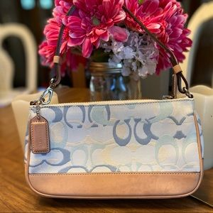 COACH large wristlet in blue fabric and leather